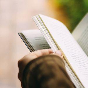 Все повече българи четат книги