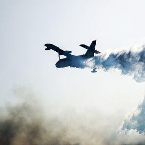 Самолет, участвал в гасенето на пожарите в Австралия, се разби