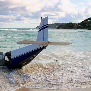 Военен самолет се разби в морето в Испания