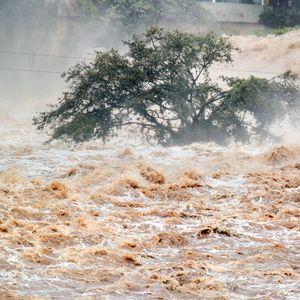 Наводнения в Турция, лошото време продължава (ВИДЕО+СНИМКИ)