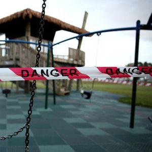 Родители подадоха редица сигнали за опасни детски площадки (ВИДЕО)