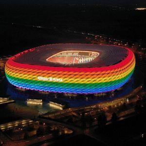 Светът отвърна на UEFA, Германия посреща унгарците в цветовете на дъгата (ВИДЕО+СНИМКИ)