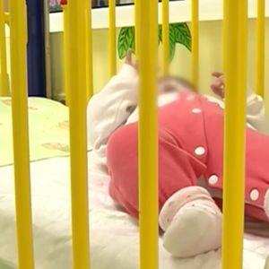 Какво се случва с малката Мария, изоставена от родителите си в болница