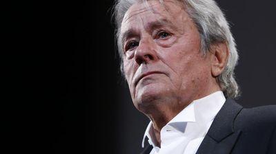 Скандал около почетната награда на Ален Делон в Кан