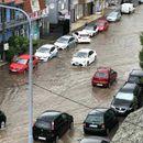 PONOVO POLAVA U pojedinim delovima grada kiša opet usporila saobraćaj i izazvala KOLAPS NA ULICAMA