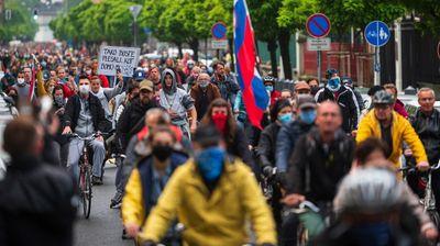 Više hiljada Slovenaca ponovo na ulicama: Novi PROTEST NA BICIKLIMA, prikupljali potpise za ostavku vlade