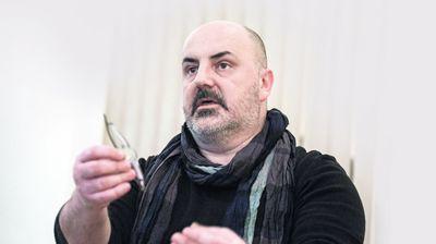 """GORKA JESEN BEOGRADSKE JAVE Kokan Mladenović o """"Snu letnje noći"""", pozorištu, zatvoru, nama..."""