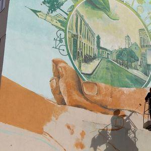 MURALI UNELI SVEŽINU U SRCE GRADA Slikari uređuju fasade u Gradiški