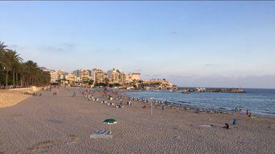 PANIKA NA MEDITERANU Plaže u Španiji privremeno zatvorene zbog MISTERIOZNE RIBE KOJA GRIZE KUPAČE