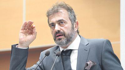 SERGEJU PREKRŠAJNA PRIJAVA Evo koliku bi kaznu predsednik PSG mogao da plati zbog saobraćajke koju je izazvao