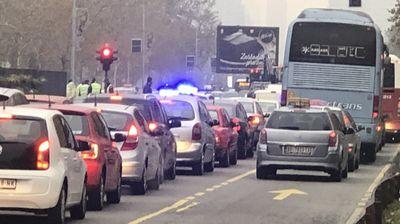 SUDAR NA NOVOM BEOGRADU Zbog udesa usporen saobraćaj u Bulevaru Mihajla Pupina