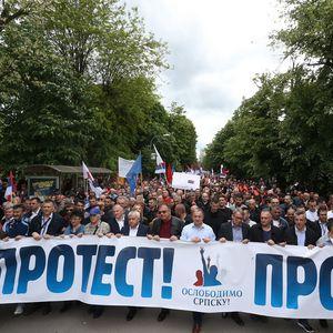Nesmenjiva vlast i slaba opozicija OBESMISLILI PROTESTE