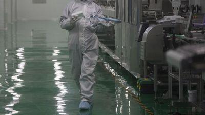 JUŽNOAFRIČKI SOJ KORONE NA PRAGU SRBIJE Novi, otporniji oblik virusa otkriven u Hrvatskoj, a britanski već uveliko hara zemljom
