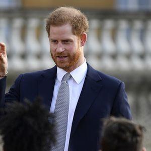 Branio Megan i tražio od javnosti da ga NE MRZI: Koje SKRIVENE PORUKE je princ Hari uputio javnosti u svom govoru