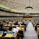 Evropska komisija: Prošla dva kandidata, Varheji mora da odgovara na dodatna pitanja