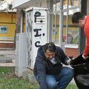 И градоначалникот и административците во Карпош ги засукаа ракавите и чистеа