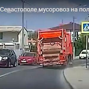 Камион без кочници направи хаос на патот ВИДЕО