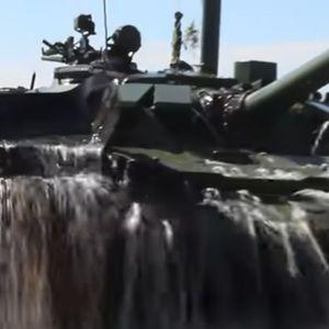 Русија се пофали со најновото воено чудовиште – подводен тенк