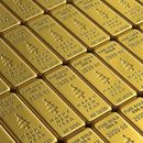 По историскиот рекорд, цената на златото продолжи да паѓа