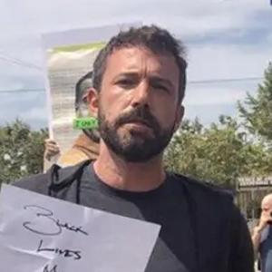 Бен Афлек и неговата нова девојка заминаа на протести во Лос Анџелес