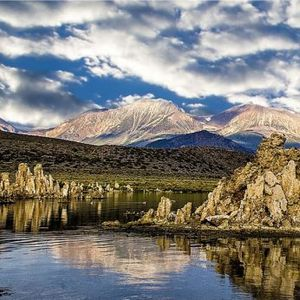 Неверојатно езеро полно со арсен за кое се верува дека ги лечи сите болести
