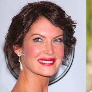 Глумицата не го покажуваше своето лице цели две години: Лара е непрепознатлива по операциите