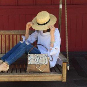8 начини како да носите сламен шешир кога не сте на плажа