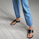 Нов тренд: Апостолки како обувки за вечерни излегувања