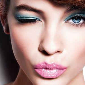 Како со вистинскиот избор на сенка да ја нагласите природната боја на очи