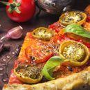 Рецепт за необична и вкусна веганска пица на која нема да и одолеете !