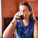ДАЛИ СОКОТ БЕЗ ШЕЌЕРИ ЈА НАМАЛУВА АВТОФАГИЈАТА? Нутриционист објасни што се случува кога го пиеме, а одговорот ЗАГРИЖУВА