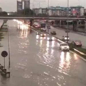 И Белград на мака со поплави и излеани шахти