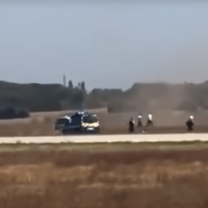Брканица како на филм: Полициска потера по автомобил на аеродром во Лион