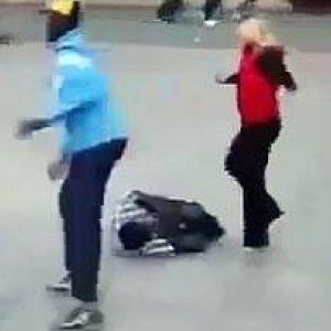 Дури четири насилници му се нафрлија, но еве што ги снајде
