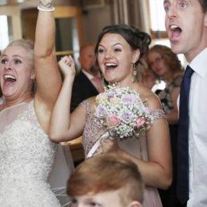 Оваа свадба долго ќе се памети - кога ја донеле тортата сите занемеле