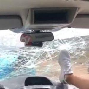Го стигна казна: Албанецот кој нападна туристи им го искрши  автомобилот, властите со булдужер му го урнаа ресторанот