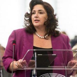 Новата ЕУ комесарка има бурна кариера зад себе - била и актерка и Мис Малта