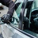 Скопјанец искршил стакло од џип, па извршил кражба