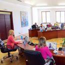 Ангеловска на средба со текстилна и чевларска индустрија – дигитална платформа за освојување нови пазари