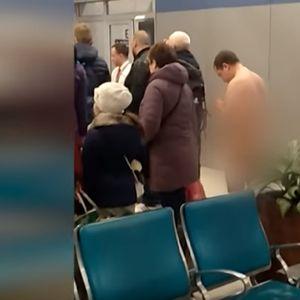 Русин потполно гол се обидел да влезе во авион за Крим