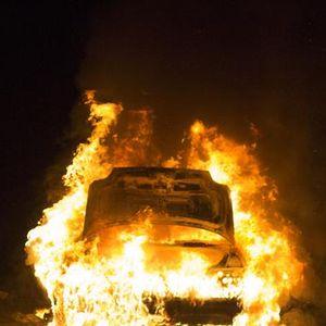 Budva: Izgorjela dva automobila, istraga u toku