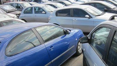 Пет работи што не треба да му ги кажете на продавачот кога купувате автомобил