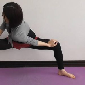 Вежба за истегнување ја намалува болката во грбот и половината