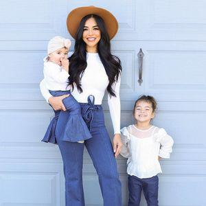 Мајка исто облечена со ќерките инспирација на Инстаграм