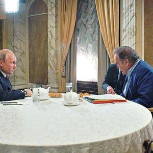 Оливер Стоун сака Путин да биде кум на неговата ќерка