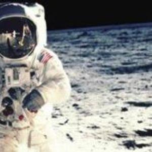 Милиони луѓе не веруваат во слетувањето на Месечината
