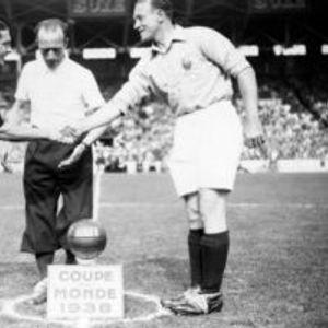 Џузепе Меаца, фудбалерот кој на мечевите доаѓал директно од бордел