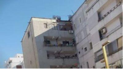 Зграда во Драч поделена на два дела од силниот земјотрес