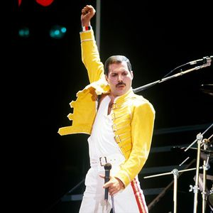 """""""Квин"""" промовира апликација со која фановите ќе може да пеат како Фреди Меркјури"""