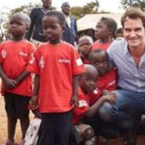 Роџер Федерер обезбеди школување и храна за милион деца